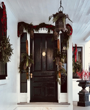 140 Federal Street front door decorated for Christmas in Salem 2019